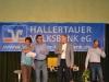 09 Wilfried Gerling, Vorstandsvorsitzender der Hallertauer Volksbank, zusammen mit den Organisatoren Hannes Hetzenecker und Karl Rockermeier bei der Verleihung des Hallertauer Kleinkunstpreises 2014